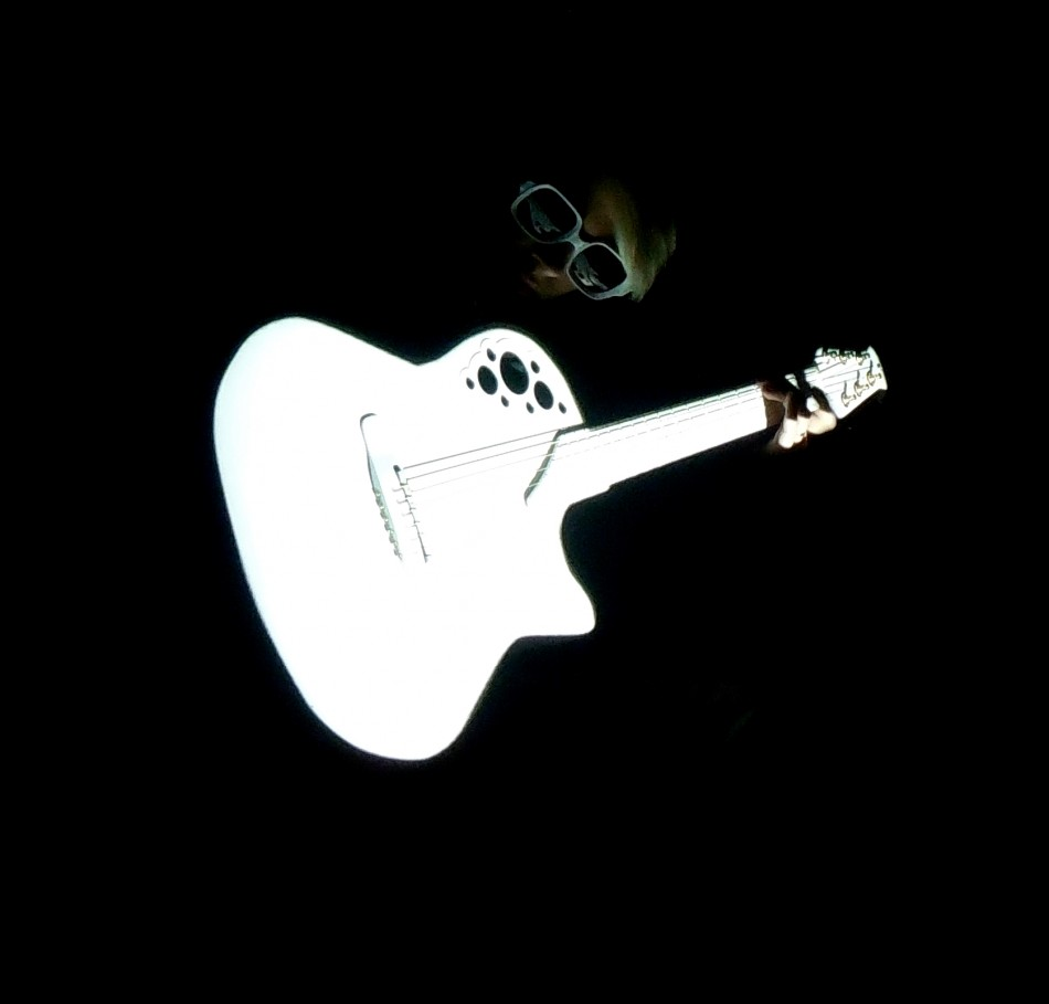 Pdf fingerpicking christmas: 20 carols arranged for solo guitar in notes tablature popular